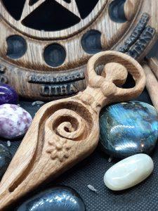 déesse mere gaia wicca fait en bois par artforwicca